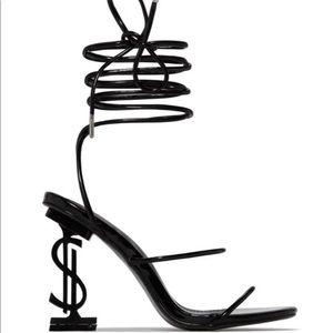 Mad Money Heels.. NEW NEVER WORN!!